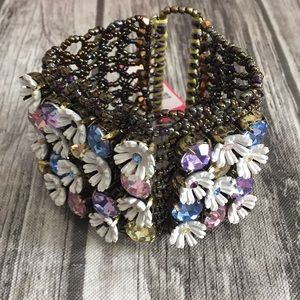 Rare beaded flowers 🌸 bracelet NWT